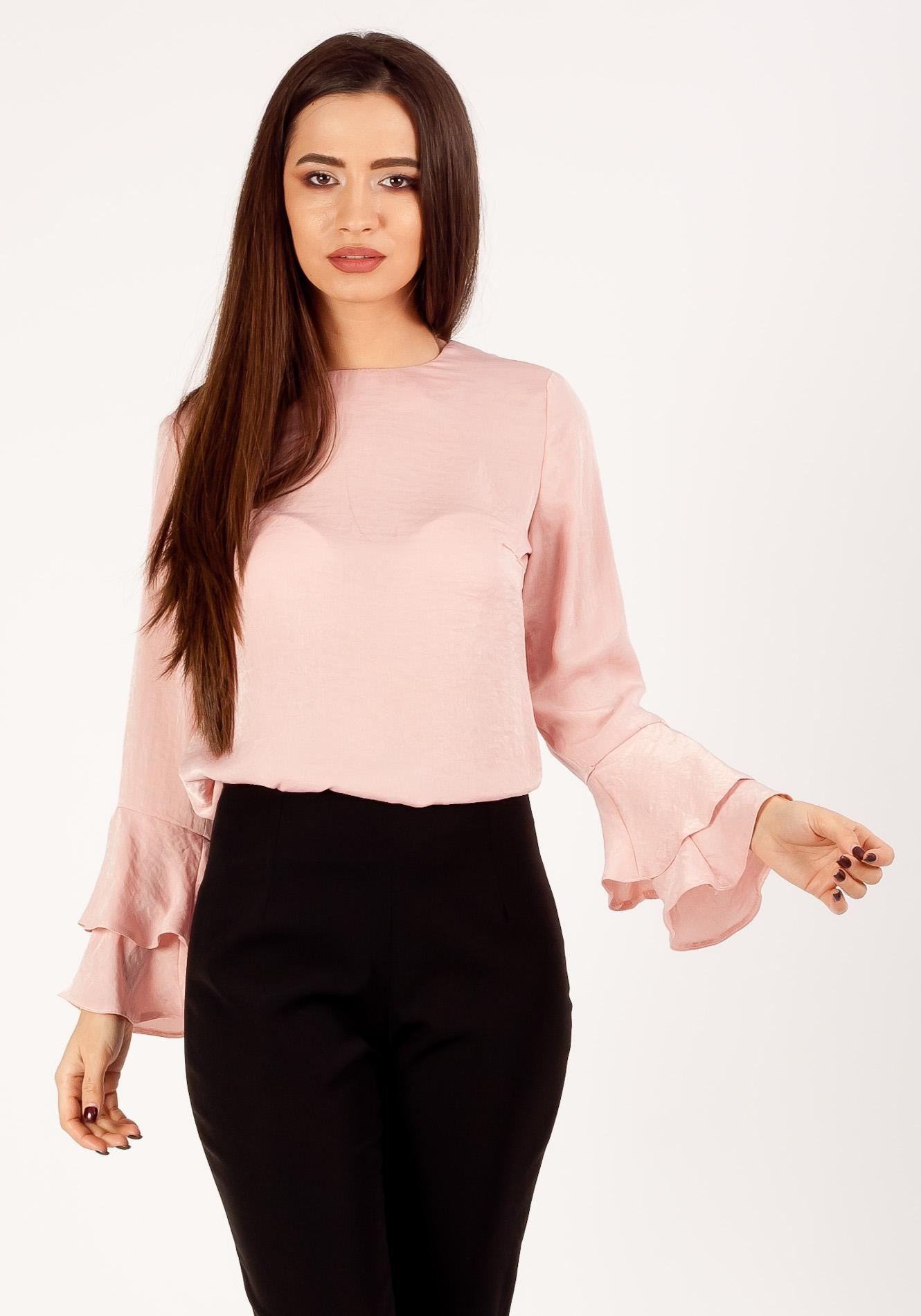 Bluza casual cu volane roz pudra