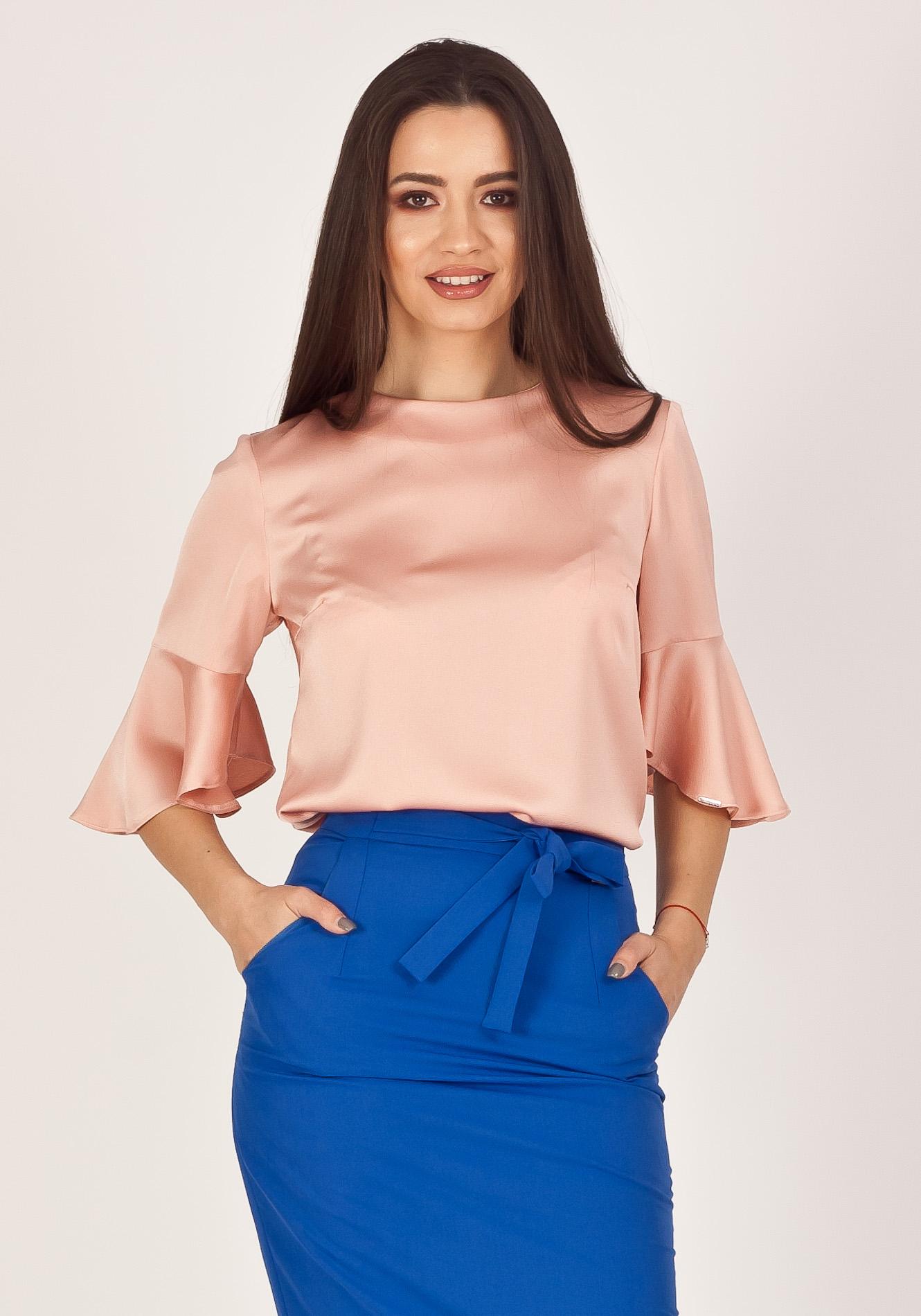 Bluza cu funta la spate roz pudra